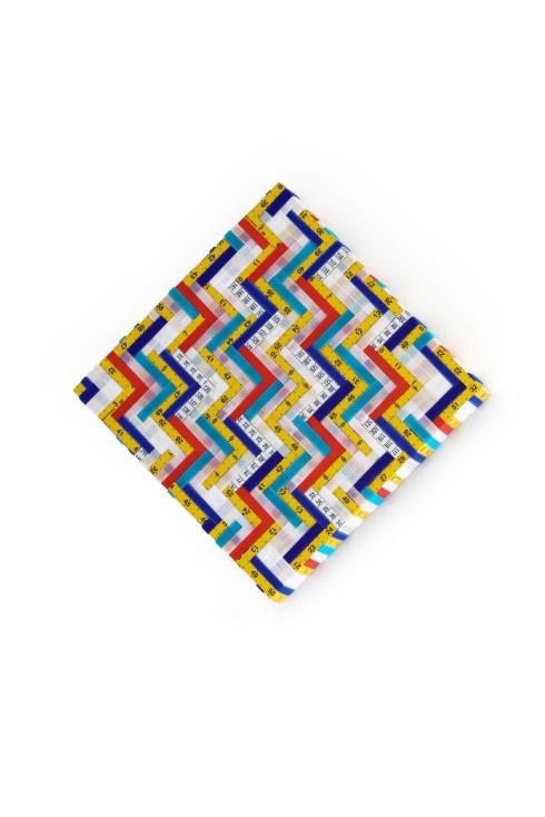 1-Mimmo Iacopino, Misure a colori n-1. 3, frammenti di metri per sarti e strisce di velluto e raso su tela, 30x30 cm. 2014
