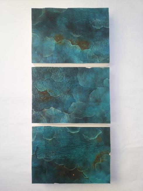 Livia Oliveti, Flowing, Polistirolo, resina, acrilico, gesso, fumo, fuoco, 74x31 cm., 2014