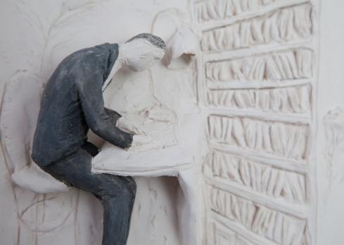 Pino Deodato, Ricamo di fumo (particolare), 2014, terracotta policroma, 12 x 16 x 3 cm. Ph Tommaso Riva.
