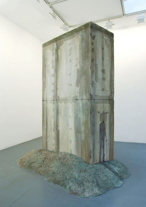 Monolite K:W, 2004, Slab of reinforced concrete, base mortar, pigments. cm 300 x 162 x 78