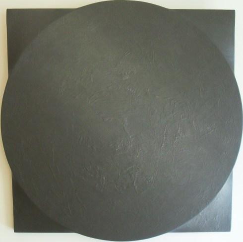 Un Tondo grigio, acrilico su tela sagomata, 96x96 cm., 1991
