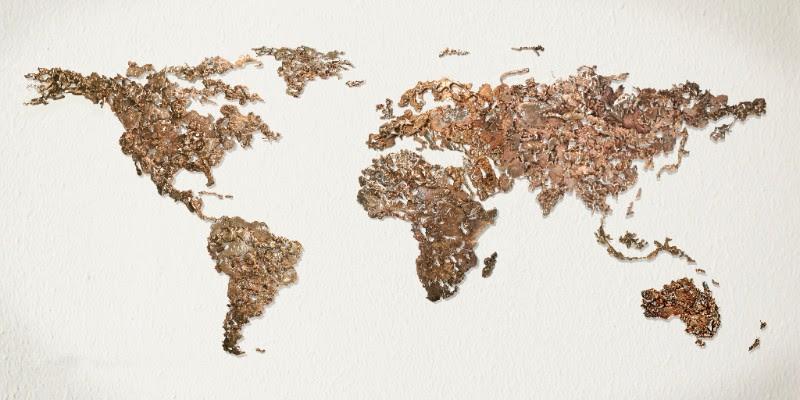 Dario Goldaniga, World Map, assemplaggio di colature di bronzo, 220x100 cm, 2016