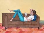 Donna su divano