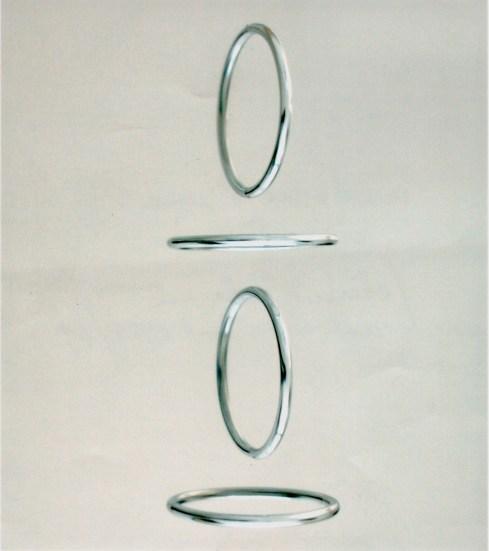 Cerchi virtuali, 1967-69, acciaio e rame cromati, 60x60x15 cm